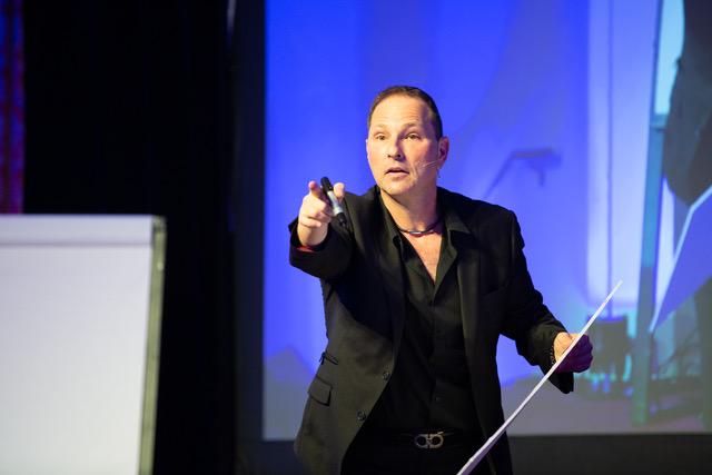 Guy Bavli Corporate Entertainer and Speaker